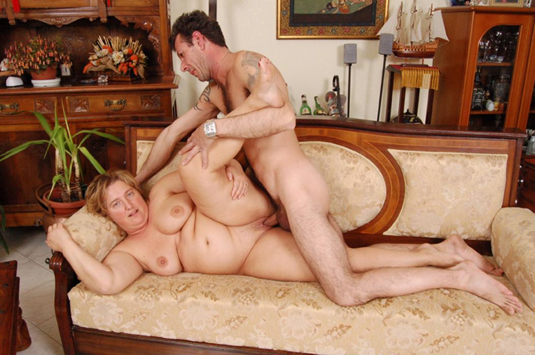 порно фото пышной матюры и юнца