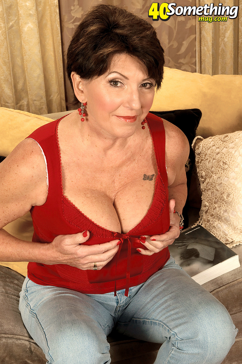 suck off fuck my wife hd boobs!!!!!!!! Damn she