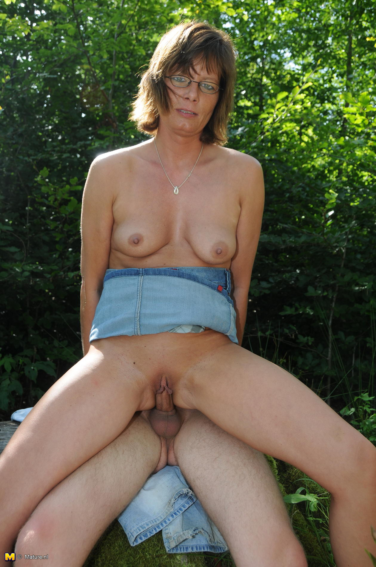 Mature housewife loves double pentration from south italy