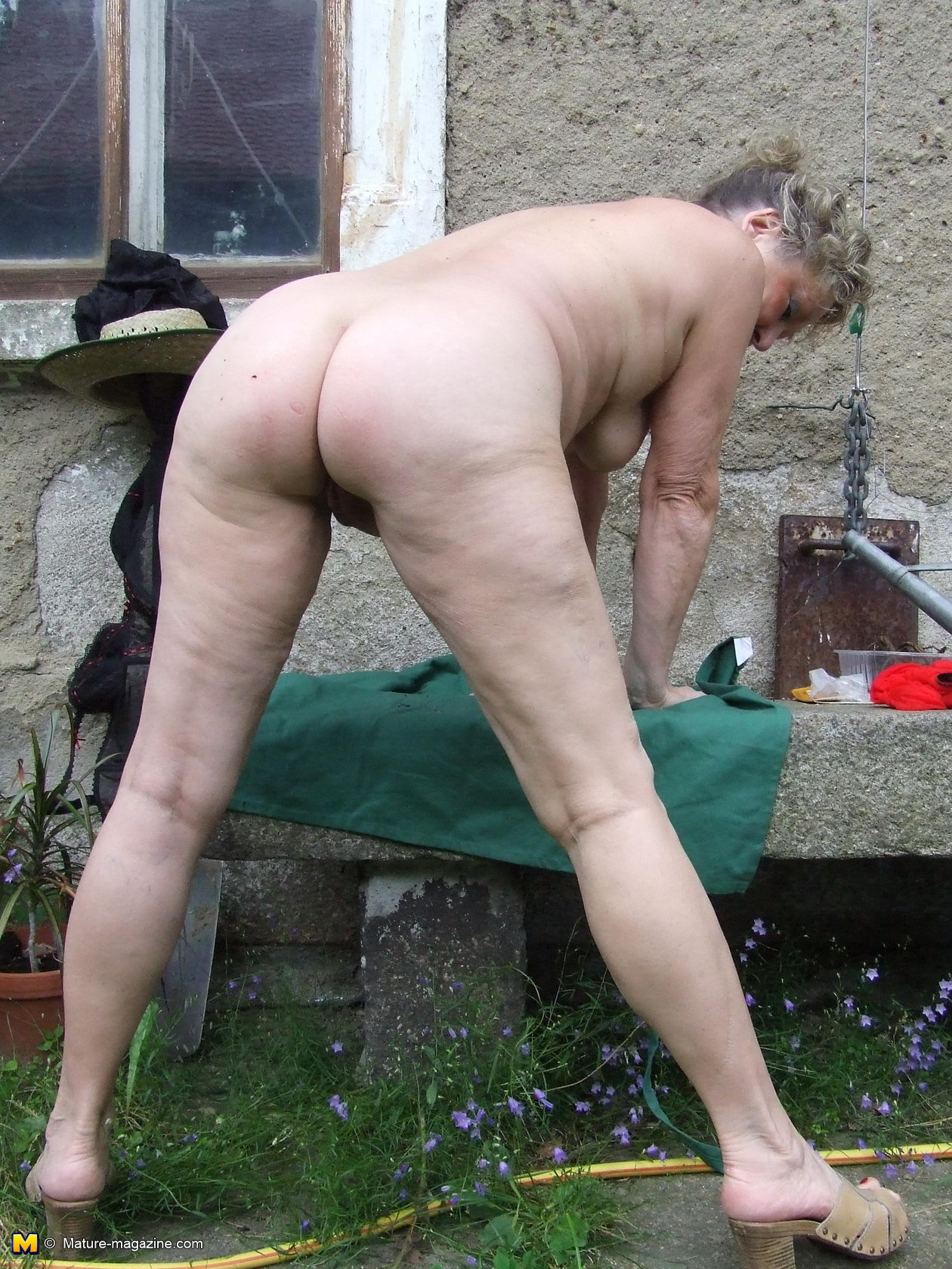 OLD GAY CUM OUTDOOR