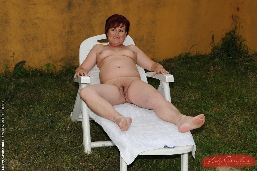 Sexy fat naked grannies cum surprise