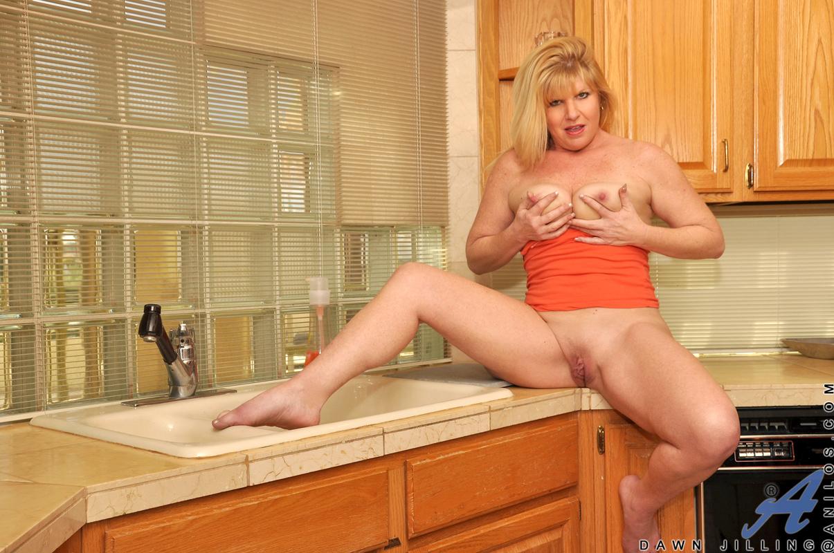 Фото голых жен в дома 10 фотография