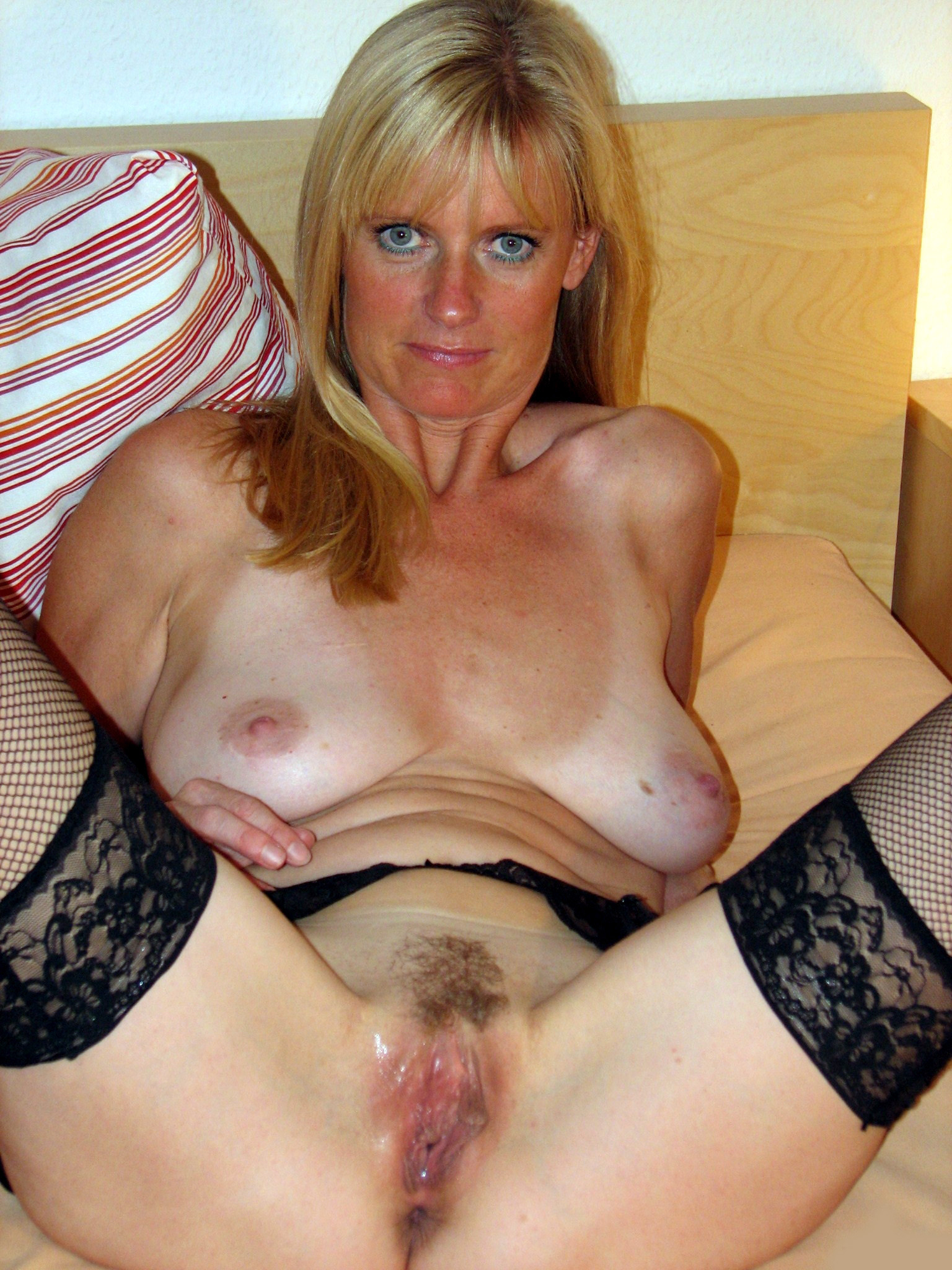 Milf gets anal fucked