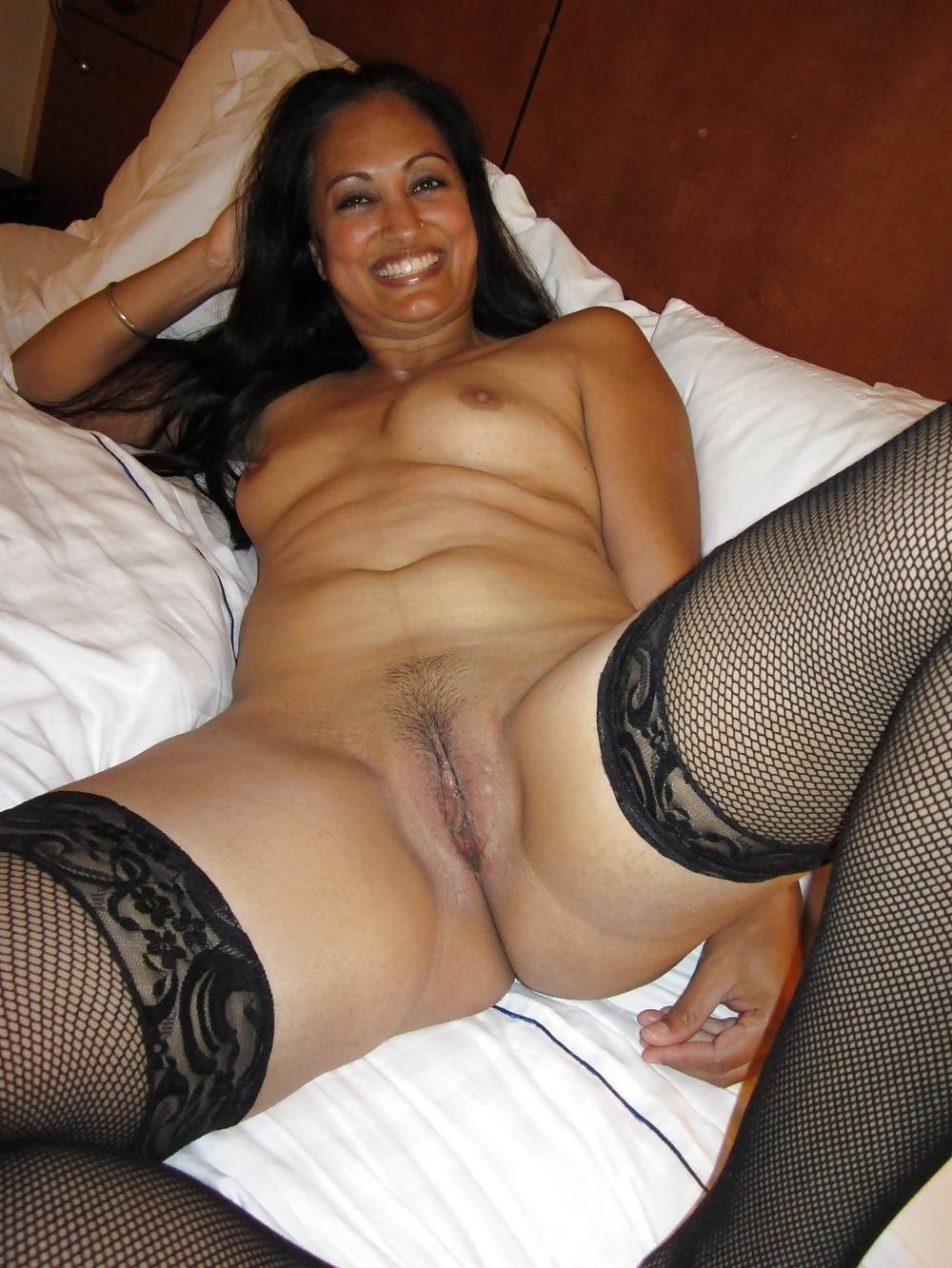 big-indian-milf-asses-in-stockings-hentia-xxx